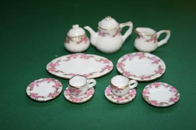 Kaffee-Service weiß/rosa Blumen Goldr., Porzellan - 13-tlg.,1:12