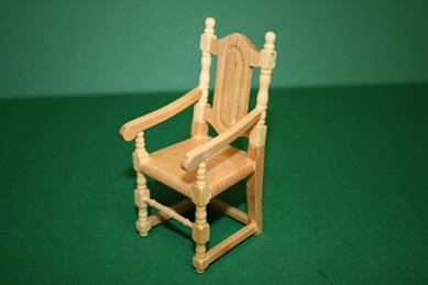 Armlehnstuhl, Pinie lackiert