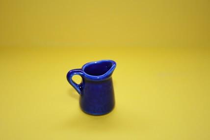 Kanne blau, Keramik