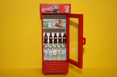 Kühlschrank Coco Cola : Coca cola kühlschrank rot mit flaschen tante emma laden beck