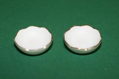 Flache Porzellan-Schüsseln, weiß/Goldrand - 2 Stück