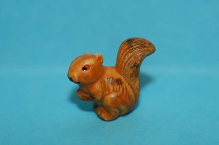 Eichhörnchen, Keramik unglasiert