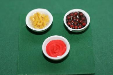 Schälchen mit Pudding und Obst - 3 Stück, 1:12