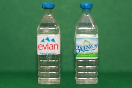 Wasserflaschen eckig, Kunststoff - 2 Stück sortiert