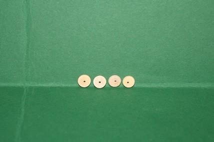 Vollholz-Räder mit Loch, roh - 4 Stück, 1:12