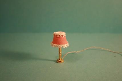 Tischlampe, Stoffschirm rosa, 1:12