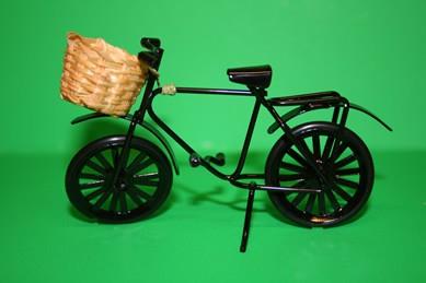 Fahrrad klein schwarz, mit Korb, Metall