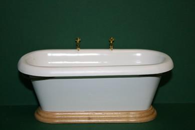 Badewanne weiß/Pinie lackiert, 1:12
