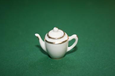 Kaffeekanne weiß, mit Goldrand, Porzellan