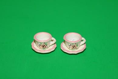 Tassen und Untertassen, weiß/rosa - je 2 Stück