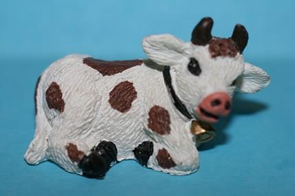 Mini-Kuh 1 braun-weiß, Kunstharz