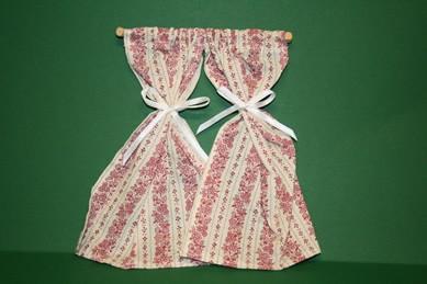 Gardinenstange mit Vorhang-Schals, beige/altrosa gemustert