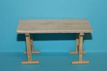 Arbeitstisch, Holz roh, 1:12