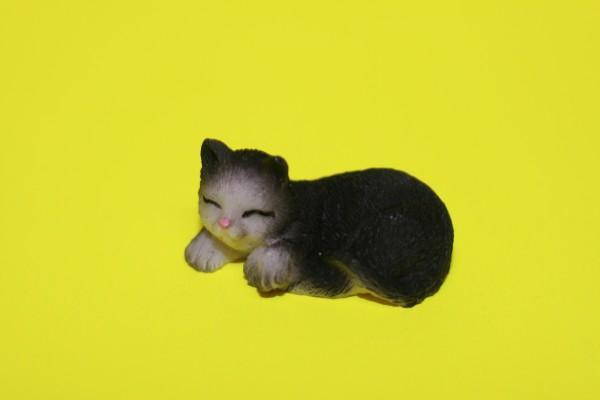 Miniatur Katze schwarz Kopf links 1:12