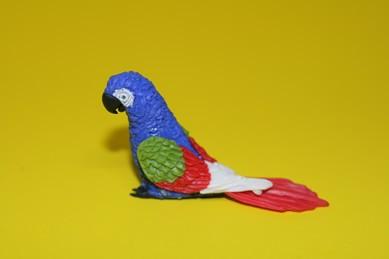 Papagei groß, blau/grün/rot/weiß