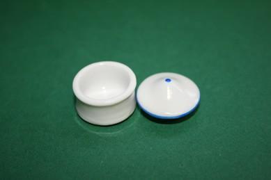 Behälter weiß, Deckel mit blauem Rand, Porzellan