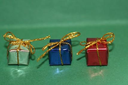 Päckchen - 3 Stück, silber, blau und rot, 1:12