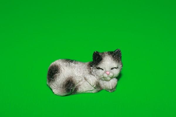 Miniatur Katze schwarz/grau Kopf rechts 1:12