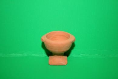 Terracotta-Gartenvase, rund mit eckigem Fuß