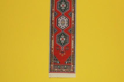 Treppenläufer rot, mit Muster, 1:12