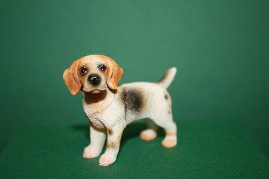 Beagle stehend, Resin