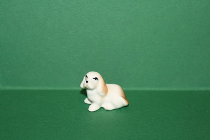 Hund 6, Porzellan
