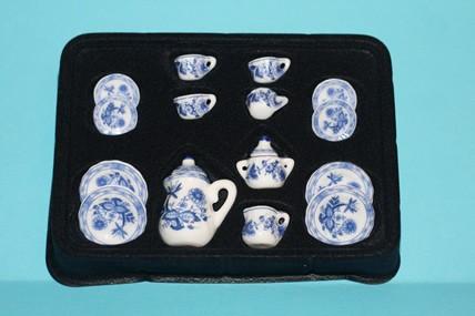 Porzellan-Service weiß/blau, 17-teilig, 1:12