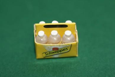 Schweppes-Karton, mit 6 Flaschen