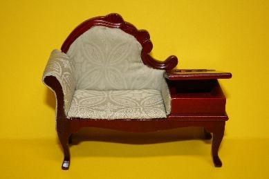 Sitzbank, Mahagoni, Brokatbezug hell-lindgrün
