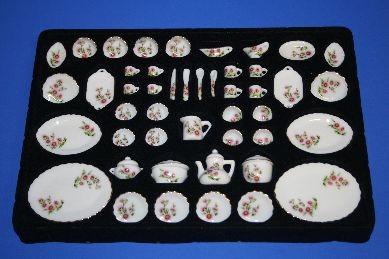 Porzellan-Service, weiß/rosa/grün Blumenmuster, 50-teilig, 1:12