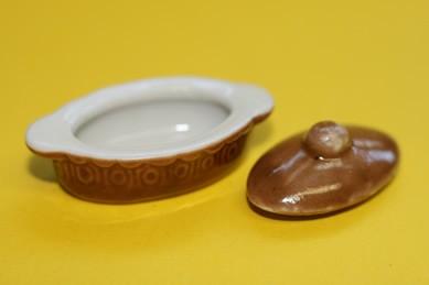 Topf oval, mit Deckel, Keramik