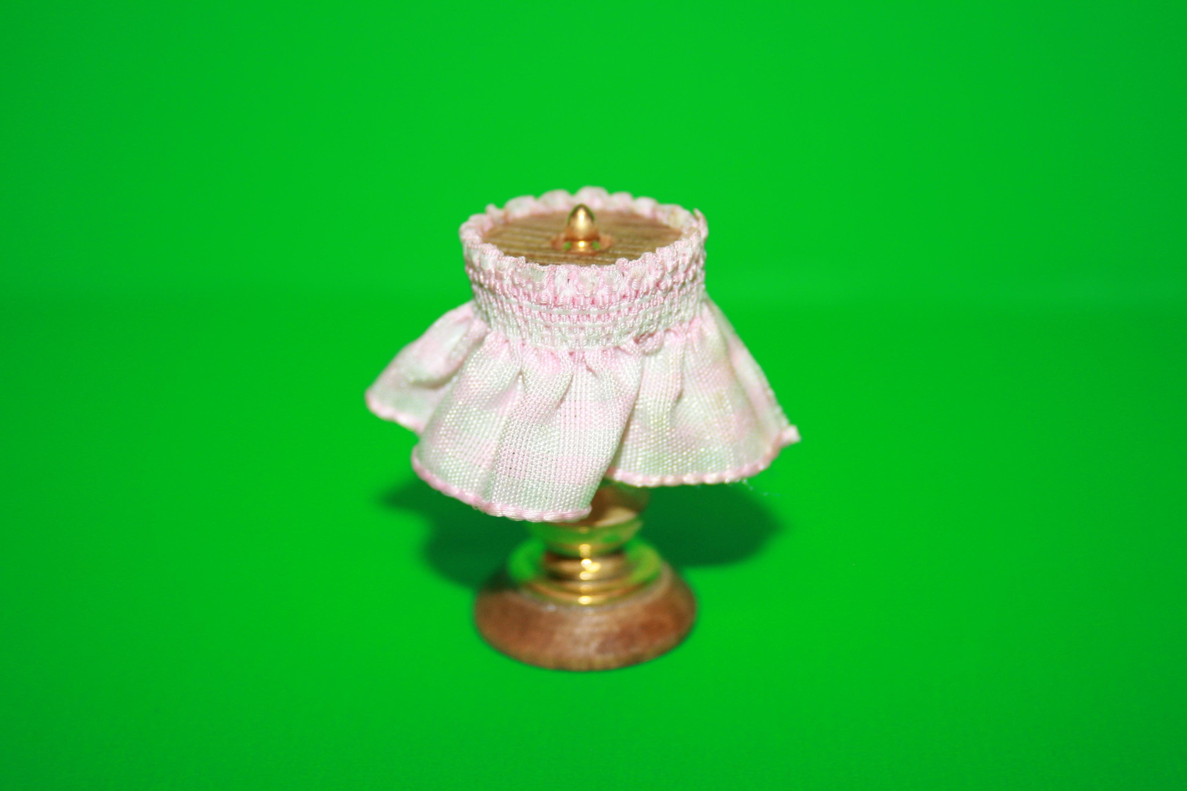 tischlampe wei rosa kariert ohne beleuchtung. Black Bedroom Furniture Sets. Home Design Ideas