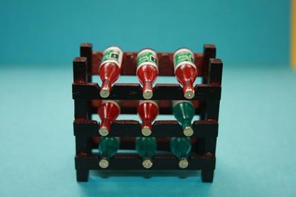 Weinregal mit 9 Flaschen