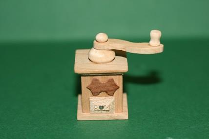 Kaffeemühle, Holz, 1:12