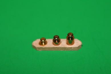 Gewichte-Set auf Holz
