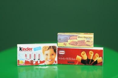 Packungen Kekse, Kinderschokolade und Schoko-Röllchen, 1:12