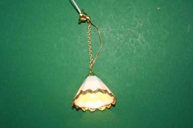 Hängelampe mit Beleuchtung, 12 V., weiß mit Goldlitze