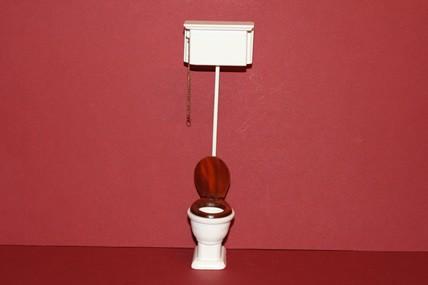 WC mit hohem Spülkasten, Holz, weiß, 1:12