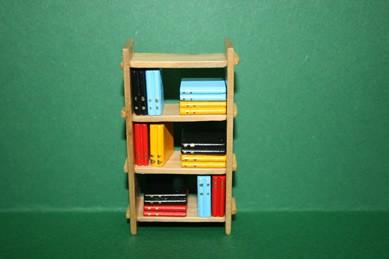 Bücherregal Holz, offen, mit Büchern