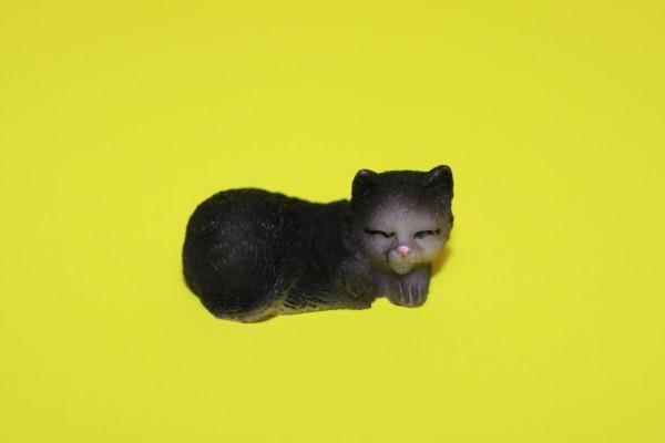 Miniatur Katze schwarz Kopf rechts 1:12