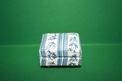 Polster-Hocker natur/blau geblümt