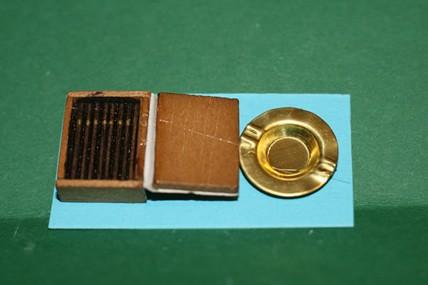 Zigarrenkiste mit Aschenbecher, 1:12