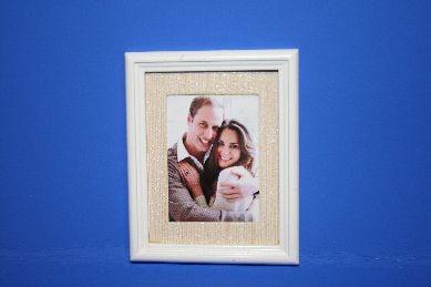 """Bild """"William und Kate"""", Holzrahmen weiß"""