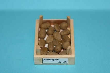 Kiste mit Kartoffeln, 1:12