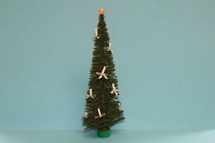 Weihnachtsbaum dekoriert, Kerzen weiß, 1:12