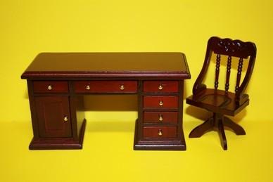 Schreibtisch mit Stuhl, Mahagoni
